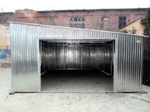 Garaże blaszane ze spadkiem dachu na bok lub na przód