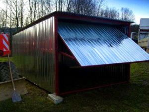 Garaże blaszane z wiatą